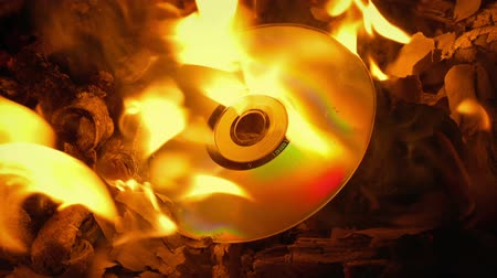 veneno : Disc Burns Up In Fire
