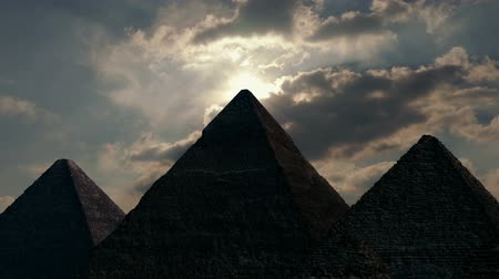 masonic : un Appears Over Ancient Pyramids