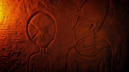 Alien Depiction In Ancient Egypt Carving Stok Video