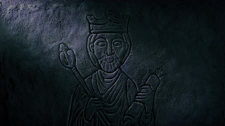lenda : Medieval King Carving Revealed In Tomb Stock Footage