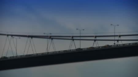 pomost : Car traffic on suspension bridge. Full HD 1080p, 24fps, Selective focus.