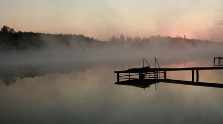 cockcrow : Dawn mist over the river