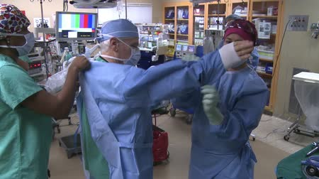 operasyon : Scenes from a surgical procedure