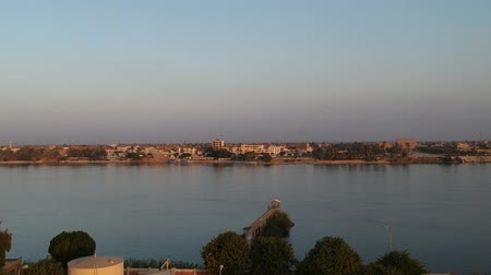egyiptomi : view of Nile river in Egypt near Luxor