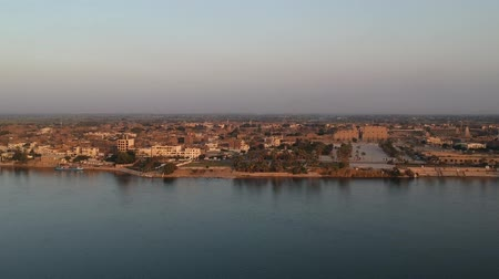 anıt : View of Nile river, Karnak Temple and city of Luxor in Egypt