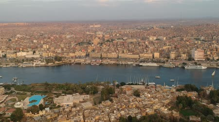 Нил : View of Aswan (Egypt), Elephantine island and river Nile Стоковые видеозаписи