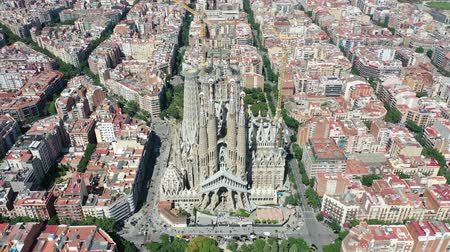 арена : Flying Drone over Sagrada Familia at City Barcelona - Eixample District 4k