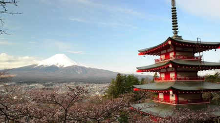 mt : view of Mount Fuji from Chureito Pagoda of Arakura Sengen shrine during Cherry blossoms season in Fujiyoshida city, Yamanashi Prefecture, Japan