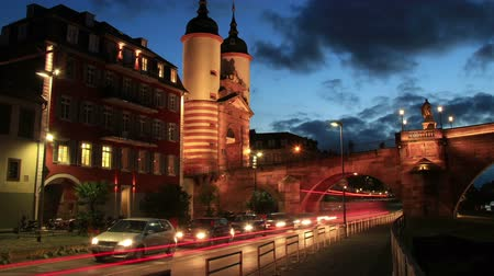 licht : Timelapse of Traffic in Heidelberg – Zeitraffer von Strassenverkehr in Heidelberg Stock Footage