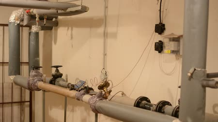 circulator : room with piping and measurement of water
