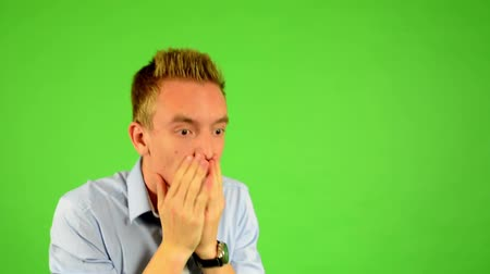gergin : man - green screen - portrait - man is nervous Stok Video