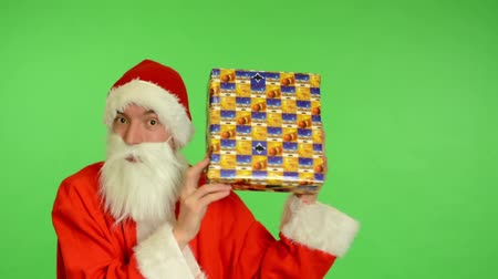 hediye kutusu : santa claus - green screen - studio - Santa Claus with gifts