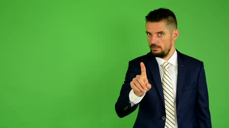 hiç kimse : business man disagrees - green screen - studio Stok Video