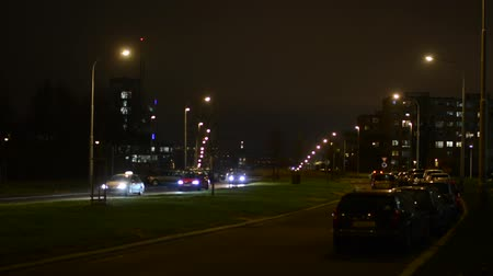 bloklar : city - urban street with cars - night - lamps - buildings