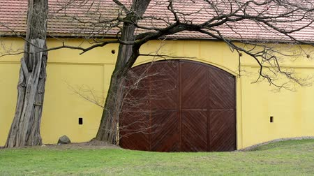 istálló : gate barn in the village - exterior