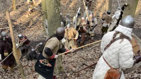 rycerz : PRAGUE, CZECH REPUBLIC - FEBRUARY 21, 2015: medieval battle - war - soldiers fight