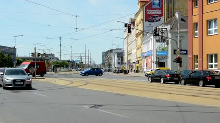 előny : CZECH REPUBLIC, PRAGUE - JULY 10, 2015: view of the busy intersection in the center of the city