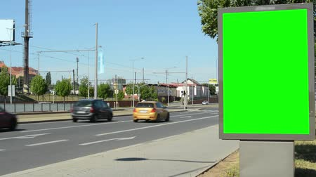 arrabaldes : billboard by the road in the suburb - green screen - close up Vídeos