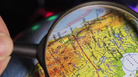 mapa : globe, North America, USA, Canada, view through magnifying glass