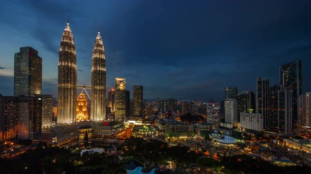 slavný : day till night light famous buildings 4k time lapse from kuala lumpur city Dostupné videozáznamy