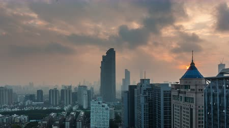 kentsel : cloudy sunrise shenzhen roof top panorama 4k time lapse china