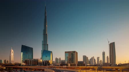 эмираты : sunset light dubai city world highest building panorama 4k time lapse uae