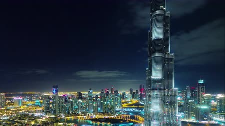 вниз : night illumination dubai world highest building down to top 4k time lapse uae Стоковые видеозаписи