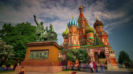 moskwa : summer day saint basils cathedral crowded square 4k time lapse russia
