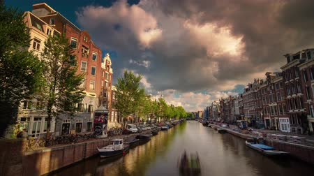 голландский : sunny day amsterdam city canal panorama 4k time lapse netherlands