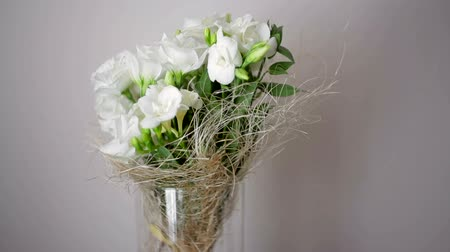martwa natura : beautiful wedding bouquet with white roses