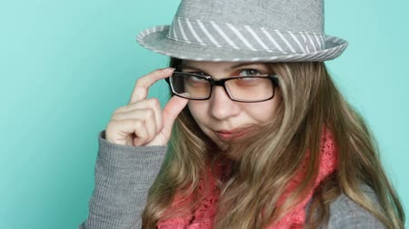 черные волосы : Young woman with glasses in a modern style