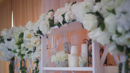 цвет бордо : Wedding decor of real flowers