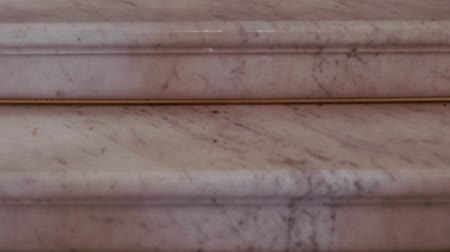 marmorizado : Luxury light marble staircase. Marble steps