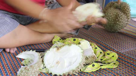 dur : Cutting Durian Stock Footage