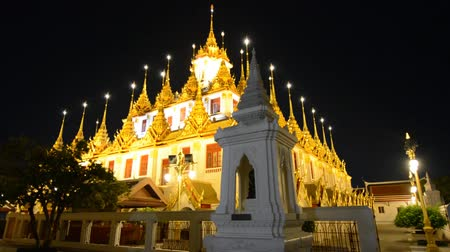 Ancient architecture and Buddhist temple in Thailand Стоковые видеозаписи