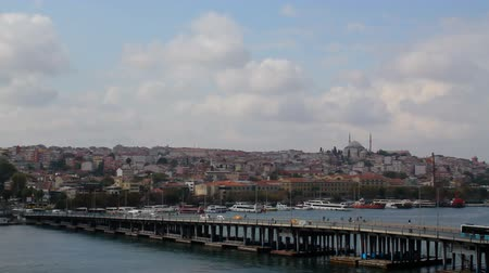 isztambul : Golden Horn, Unkapani Bridge, Fatih district, Panoramic view Stock mozgókép