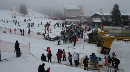 Uludag, Bursa  Turchia - 22 gennaio 2019: Uludag Ski Resort hotels area-1 Filmati Stock