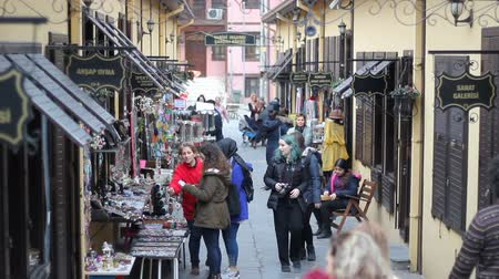 Bursa  Turchia - 25 gennaio 2019: Historic Irgandi Bridge Bazaar