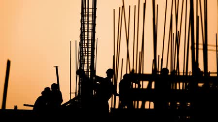 estruturas : construction worker silhouette on the work place
