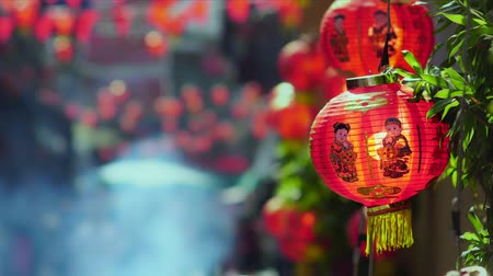 Çin mahallesi : Chinese new year lanterns with blessing text mean happy ,healthy and wealth in china town. Stok Video
