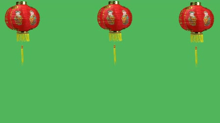 Çin mahallesi : 3 Chinese new year lanterns on green screen Stok Video