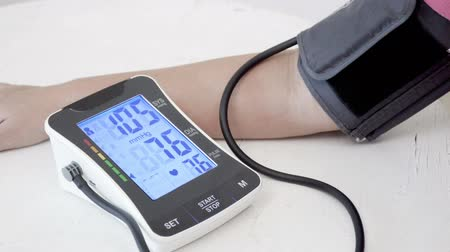 típico : blood pressure normal stage Stock Footage