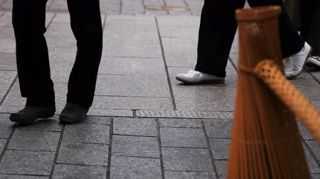 múlt : Walking people at old fashioned street in Gion Kyoto