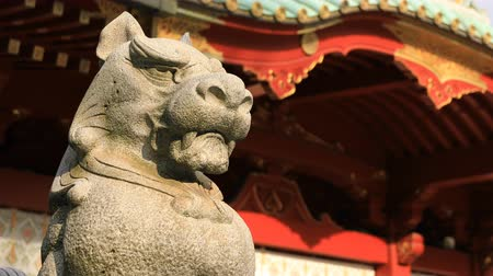 simbolismo : Statue guardian dog at Kanda shrine in Tokyo