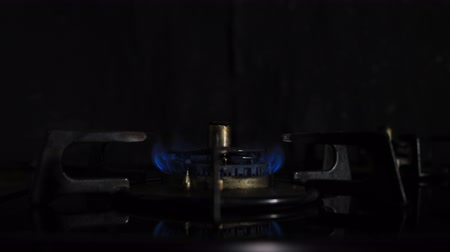 gas hob : Ignition of the heat in the kitchen
