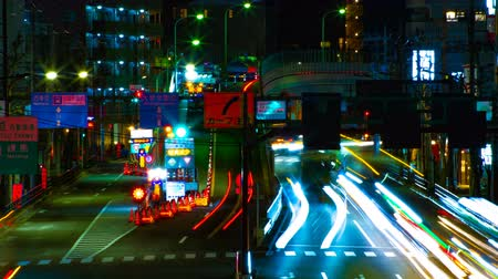 длительной экспозиции : A timelapse of the street at the downtown in Tokyo at night long exposure middle shot