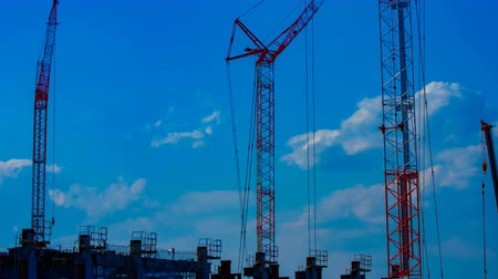em desenvolvimento : A timelapse of cranes at the under construction in Tokyo