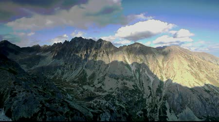 európa : Mountain at autumn in Slovakia - High Tatras - Time lapse