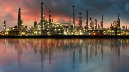industry : Oil industry - refinery, time lapse