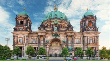 catedral : Berlin cathedral - Berliner dom, Time lapse at day Stock Footage